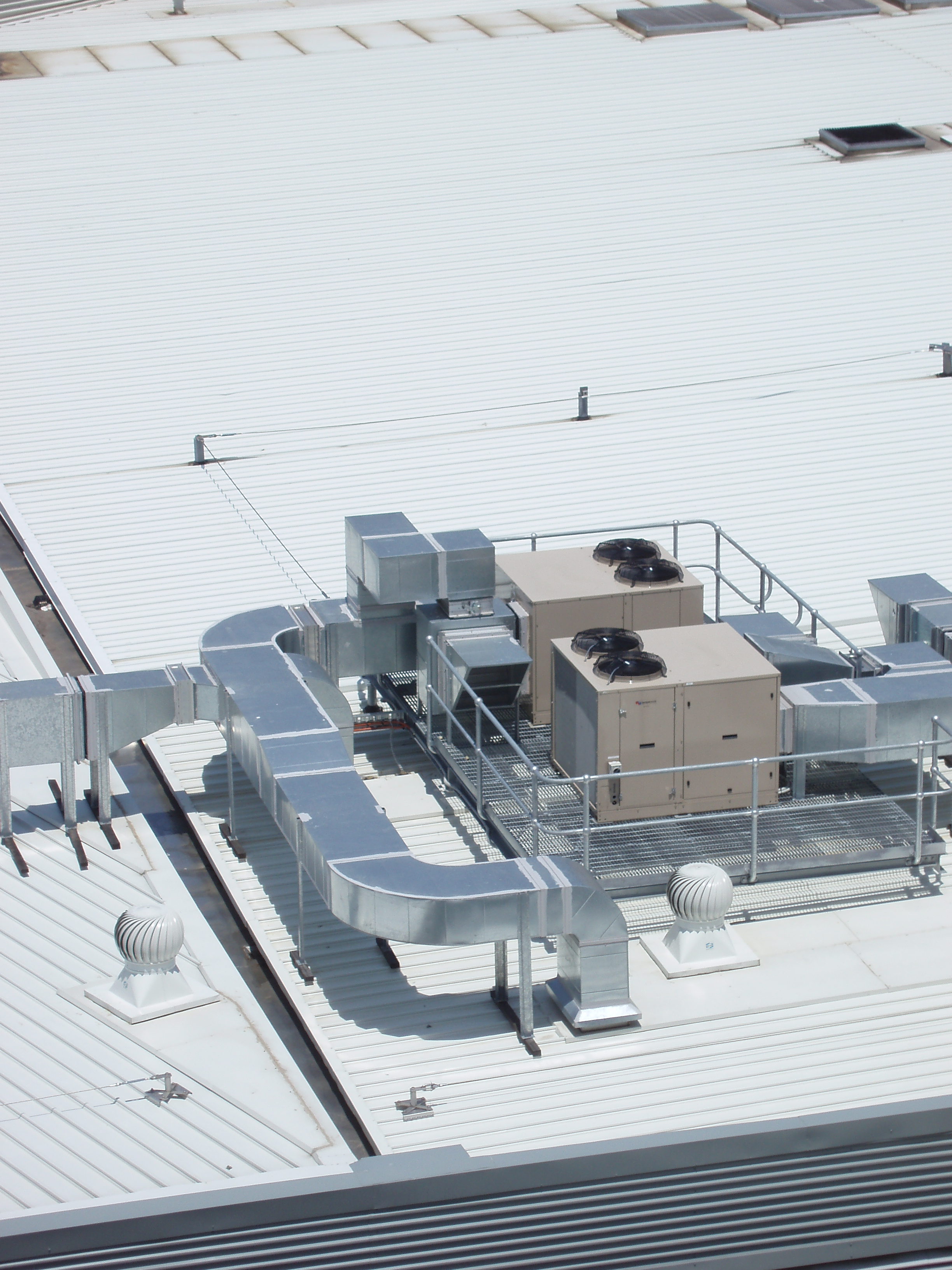 rooftop air conditioning machinery
