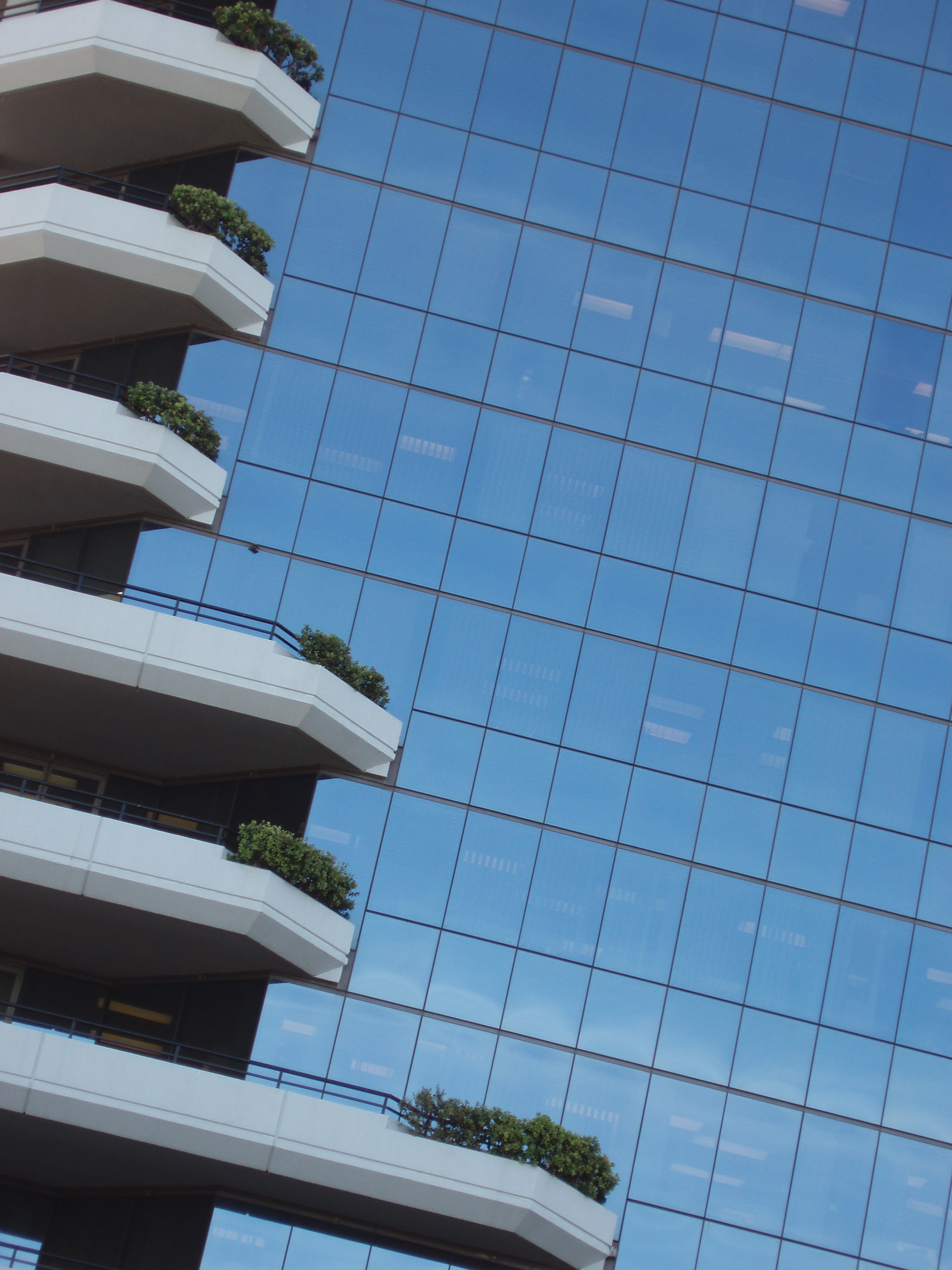 architecture images: modern building reflection