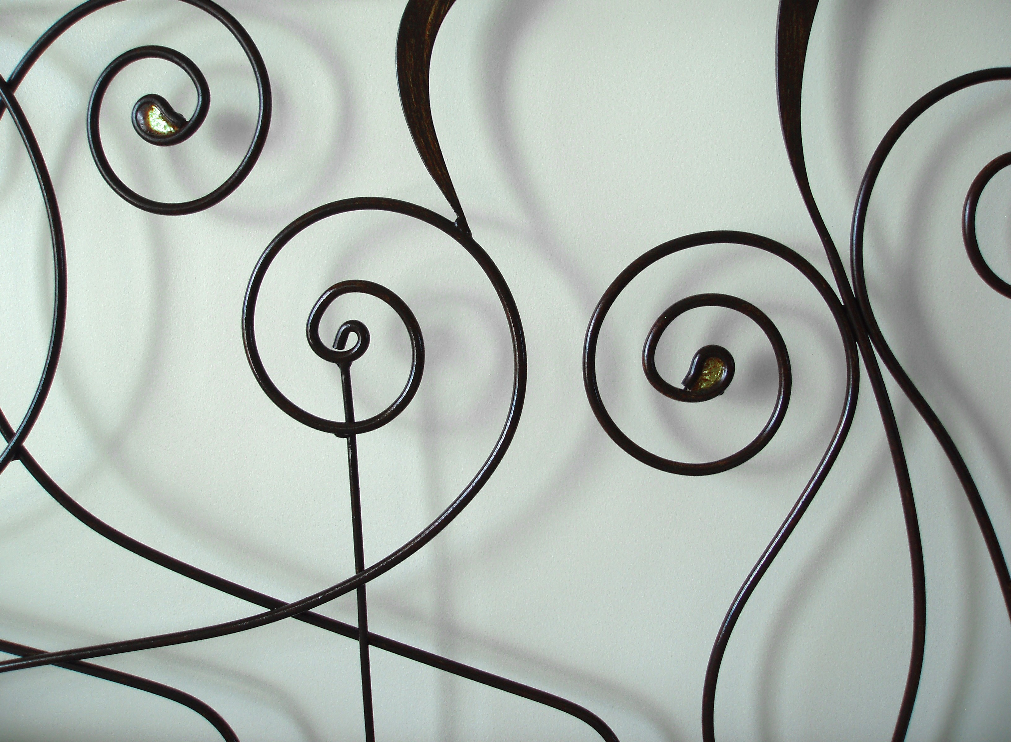 arabesque metal spiral shapes