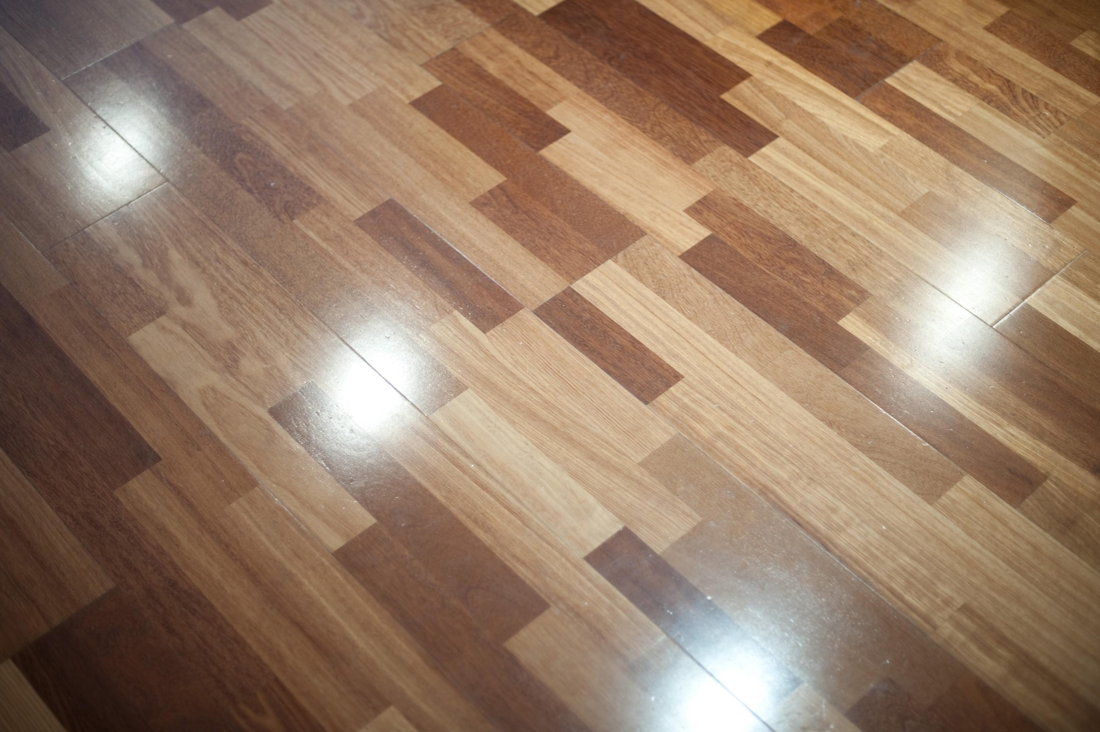 Polished wooden floor home design for Lightweight flooring